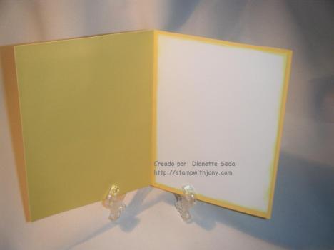 Interior de la tarjeta.